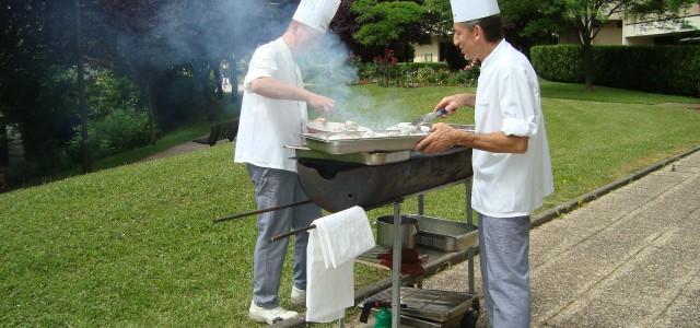 Vendredi 21 juin 2013 , l'équipe des Florances a invité les résidants à fêter le solstice d'été.   Entrées et desserts sont disposés sous forme de buffet   […]